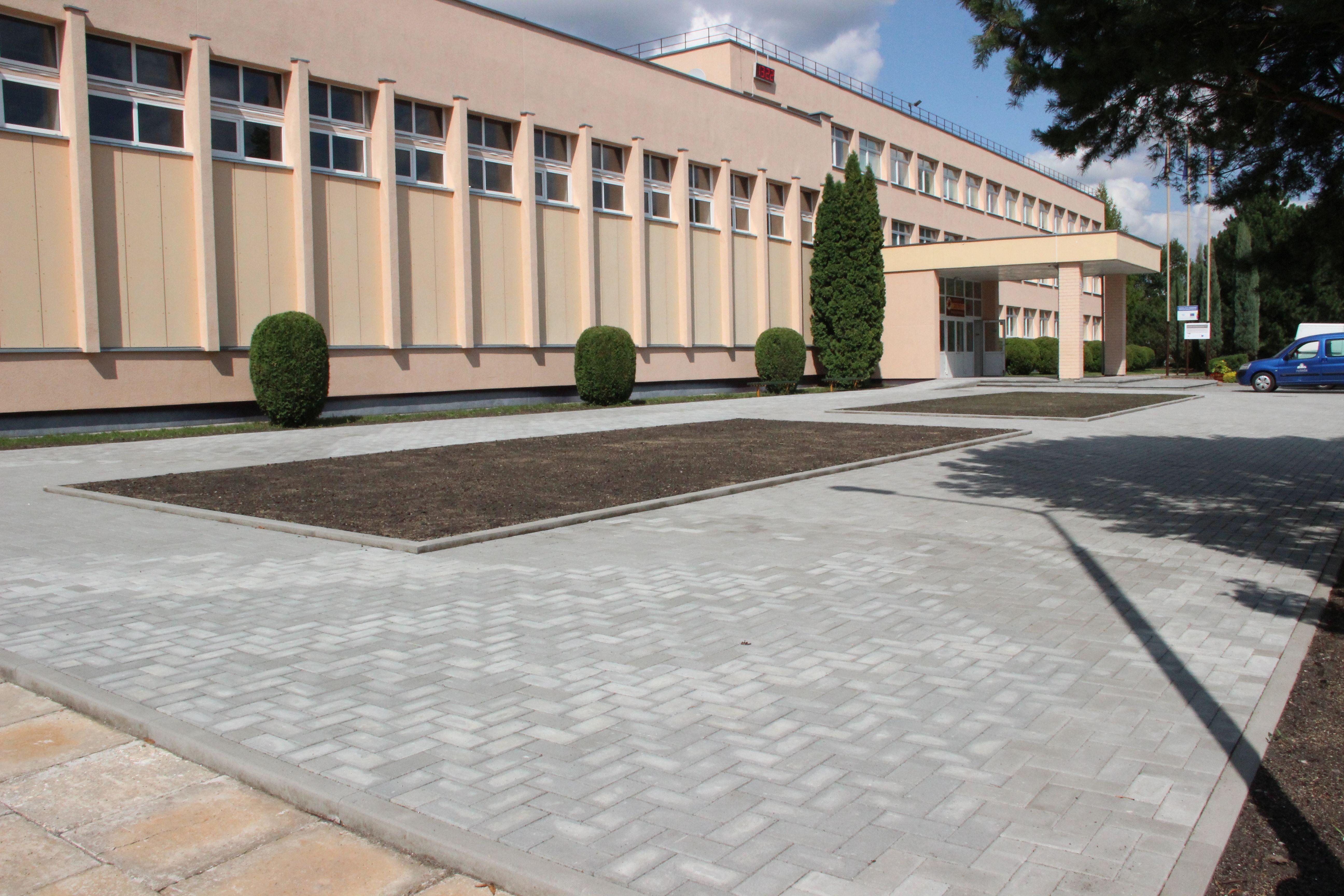 Rugsėjo 1-oji Kėdainiuose – mokyklų aplinka tapo gražesnė ir